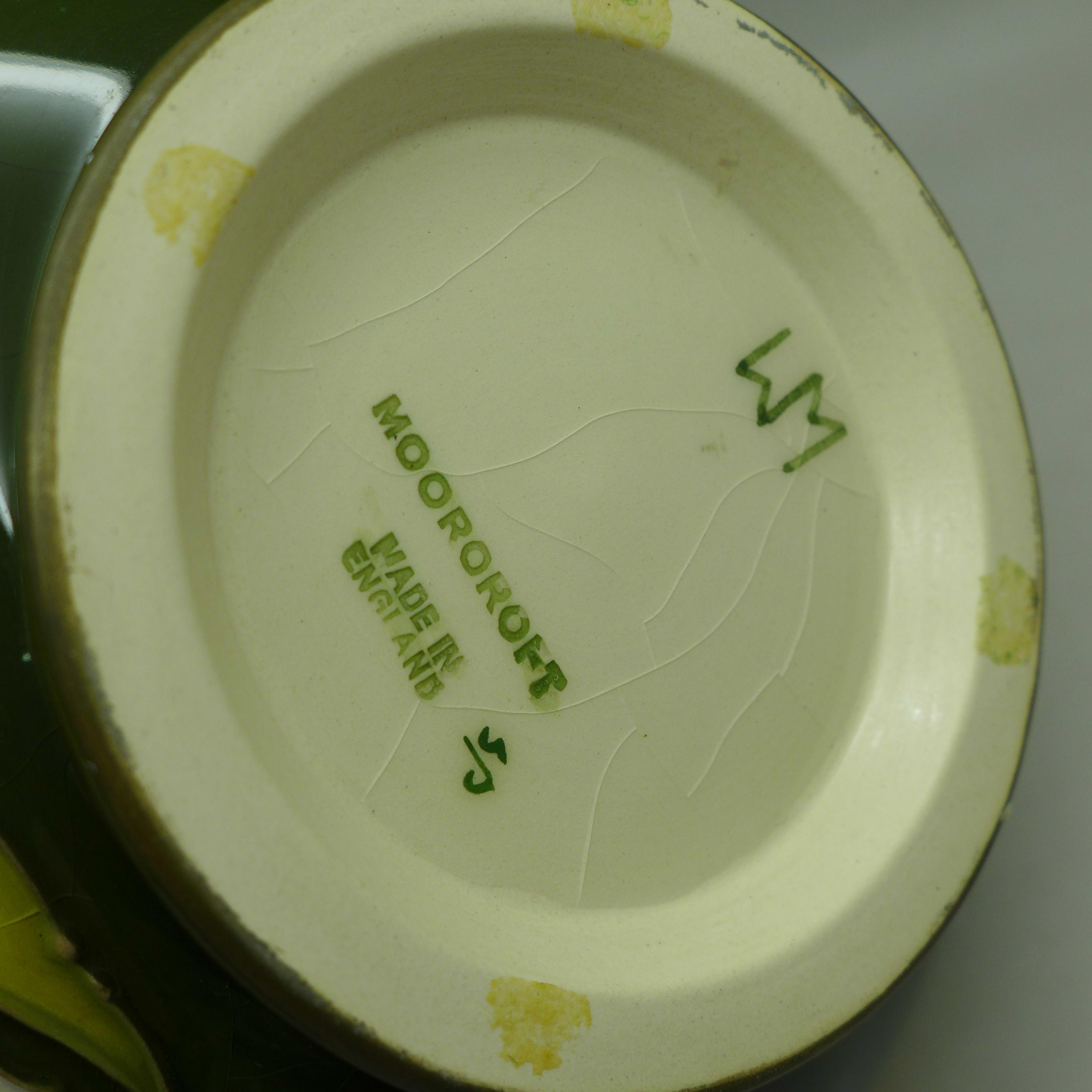 A Moorcroft Bermuda Lily bowl, 163mm diameter - Image 5 of 6
