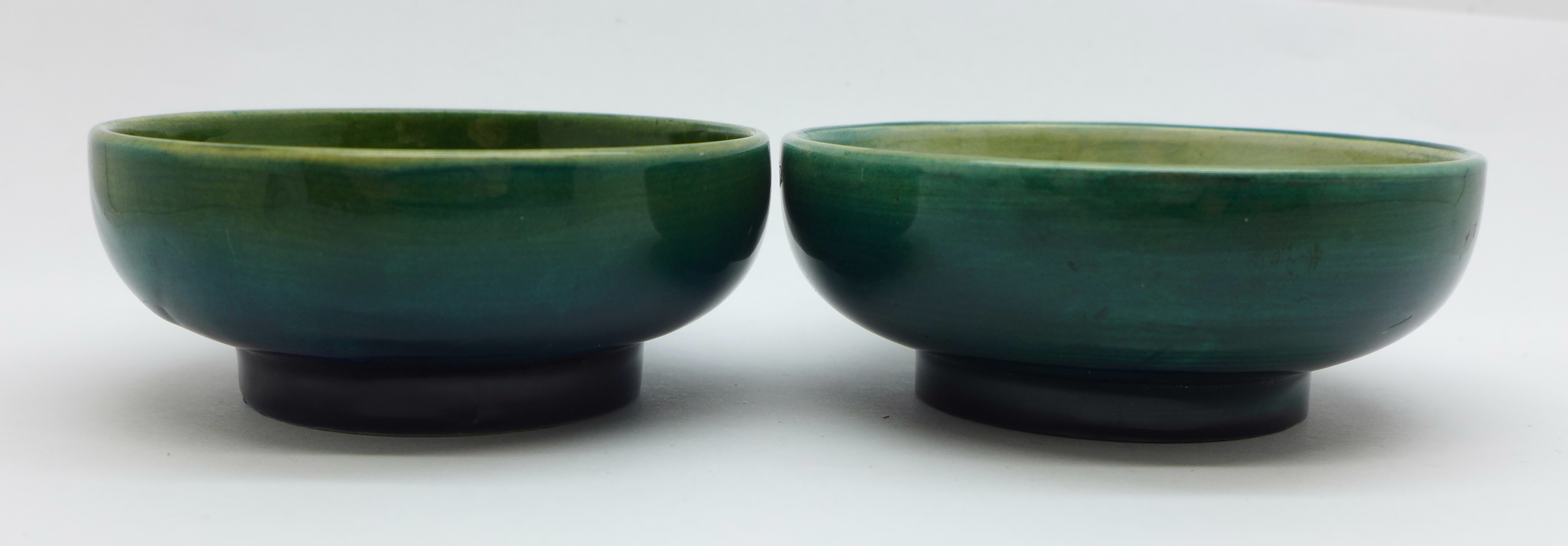 Two small Moorcroft bowls, Leaves and Fruit and orchid, 8cm diameter, (159,162) - Image 3 of 6