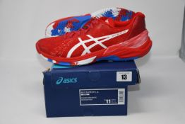 One pair of man's boxed as new Asics Sky Elite FF L.E trainers in classic red and white (UK 10).