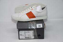 One as new Ecco Collin 2.0 size 6.5-7 (Colour: white/fire. Model: 536304-58247).