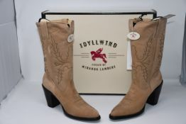 A pair of boxed as new Idyllwind fulled by Miranda Lambert Style ID L 028-1 stride 12 inch cowboy