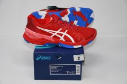 One pair of man's boxed as new Asics Sky Elite FF L.E trainers in classic red and white (UK 6.5).