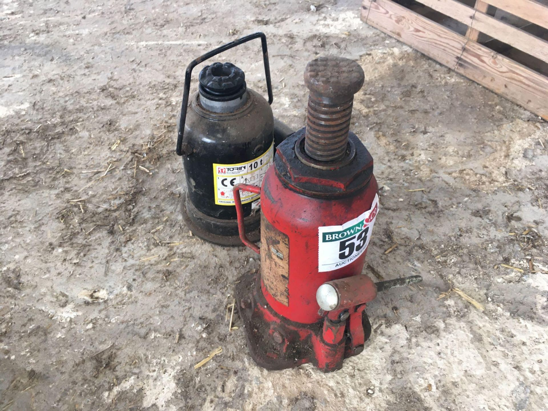 Lot 53 - Quantity 10t bottle jacks