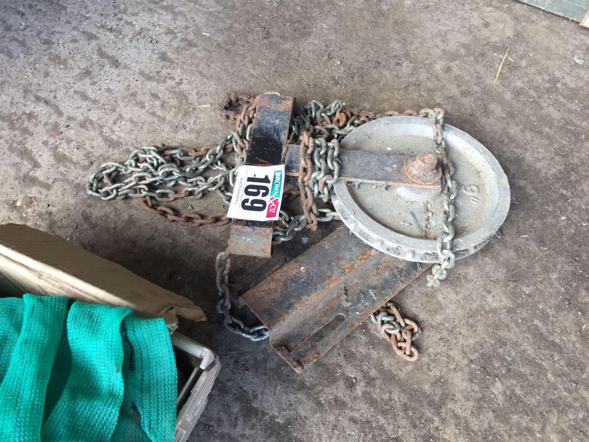 Lot 169 - Block and tackle
