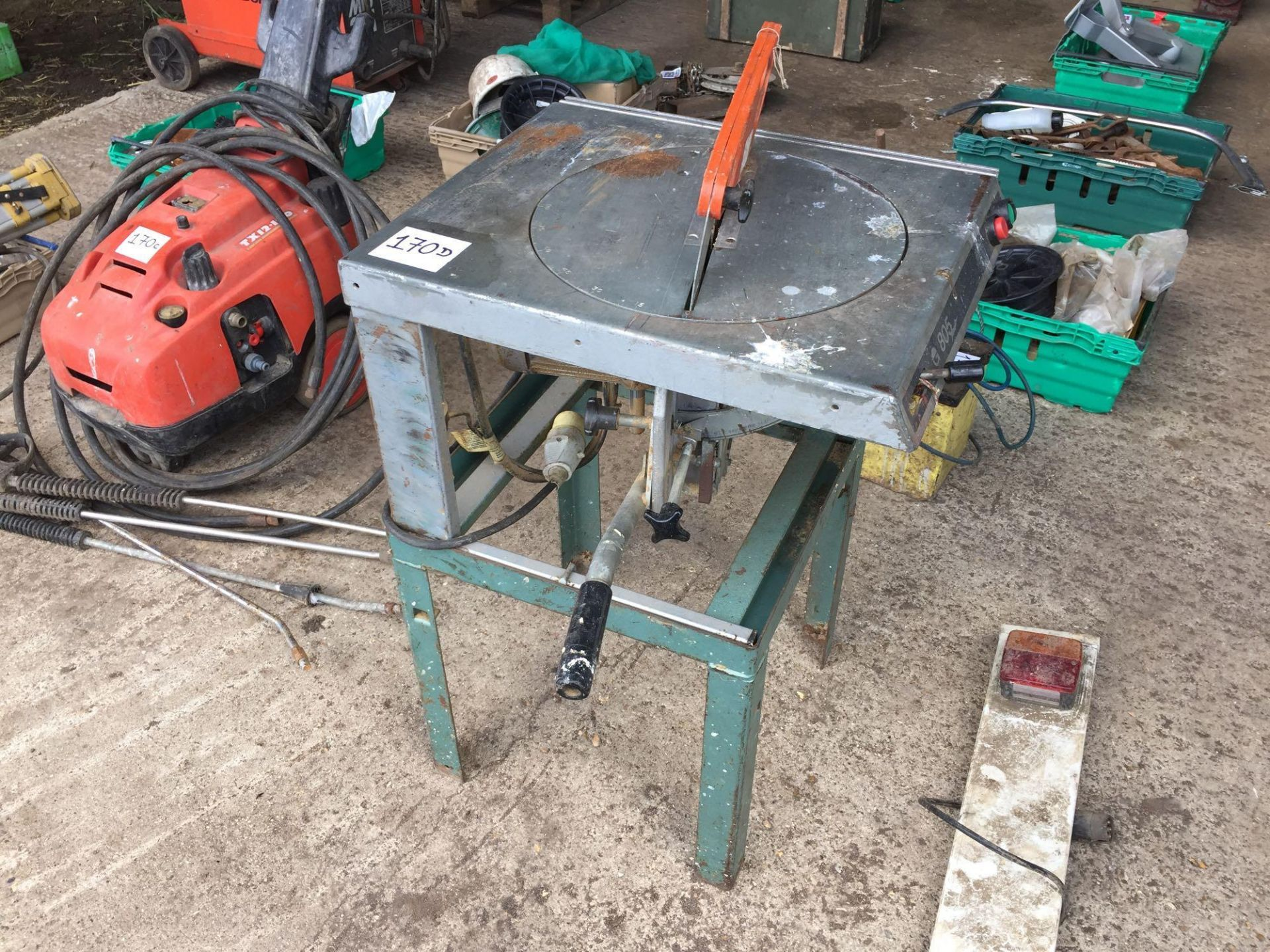 Lot 170d - Saw bench