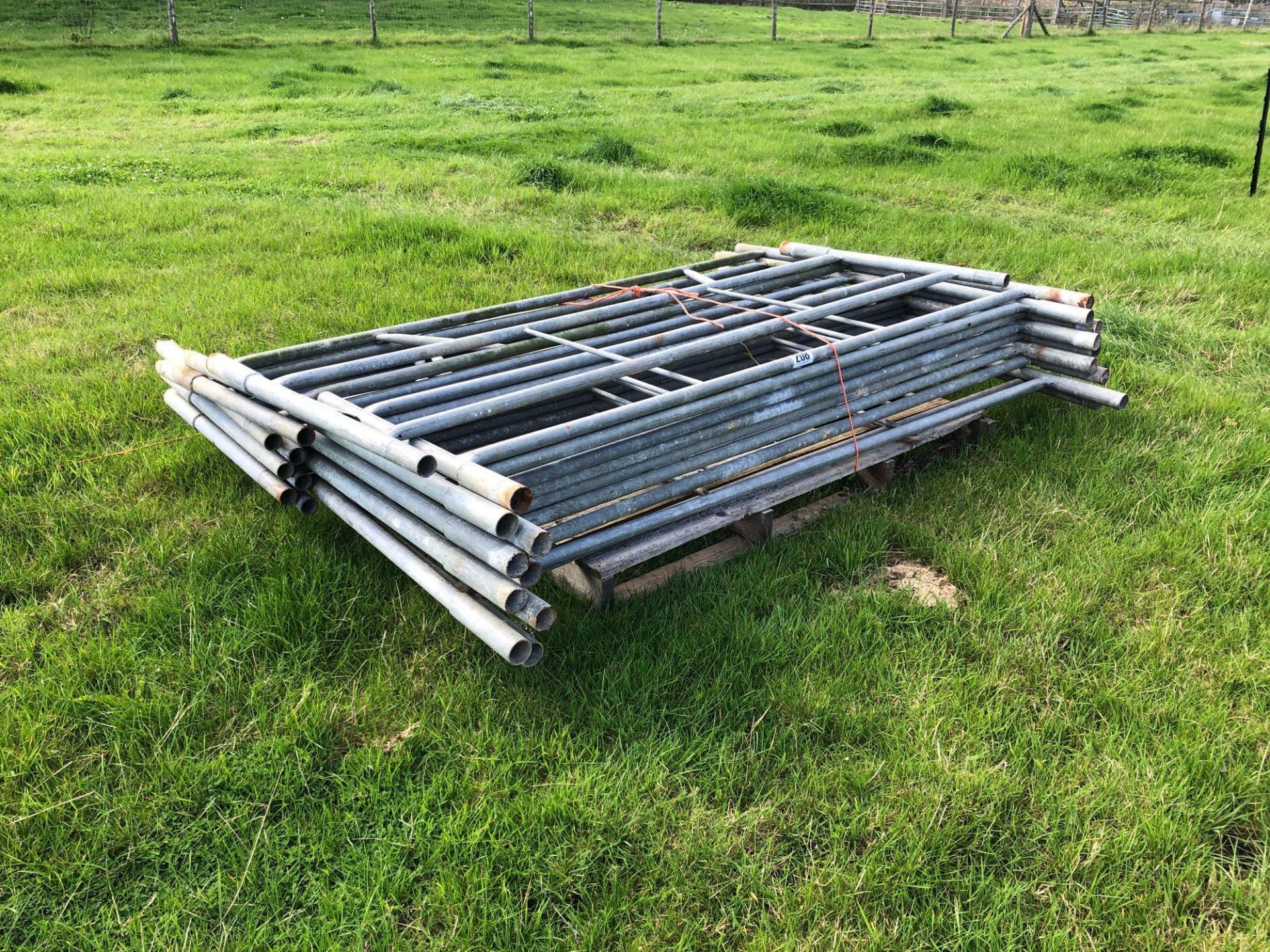 Lot 208 - *Scaffolding tower.VAT Payable on this lot