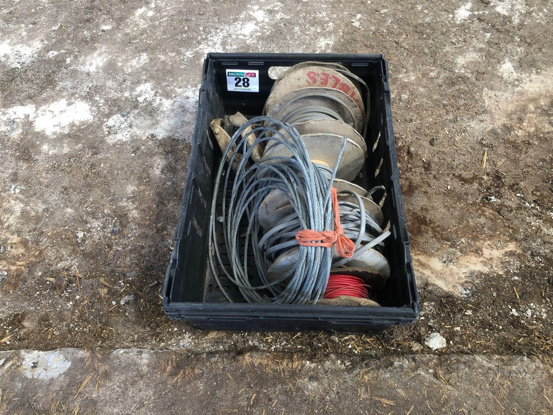 Lot 28 - Quantity of electric cabling