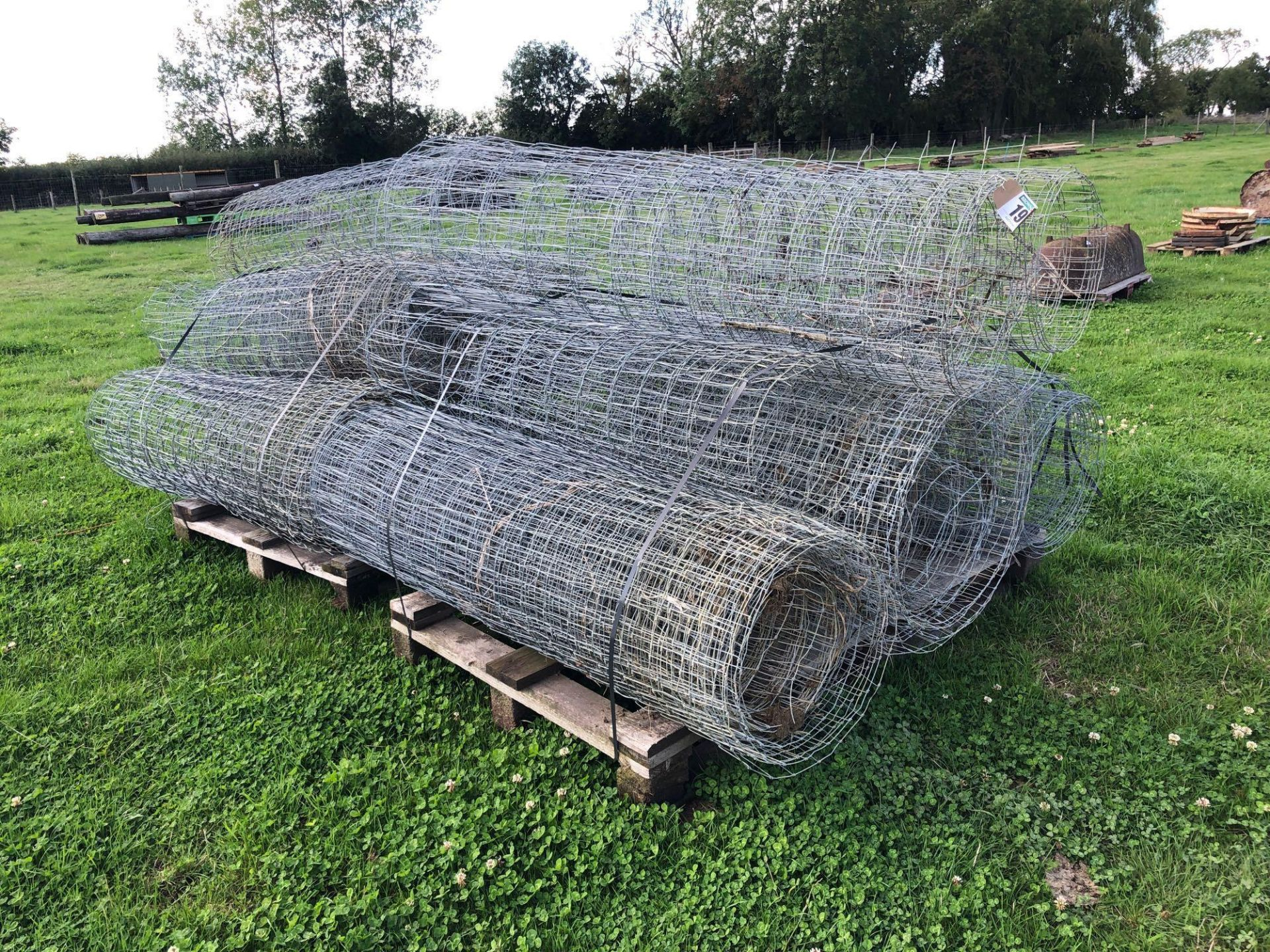 Lot 191 - Quantity wire netting