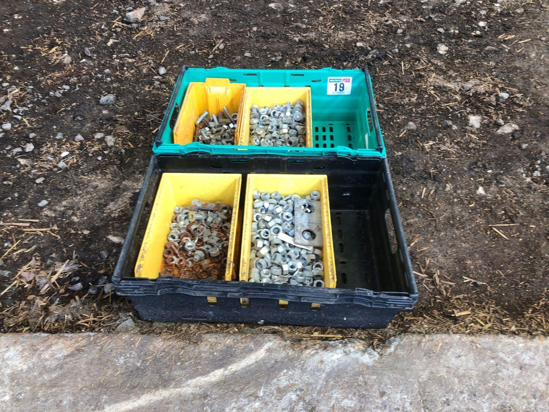 Lot 19 - Quantity assorted nuts and bolts