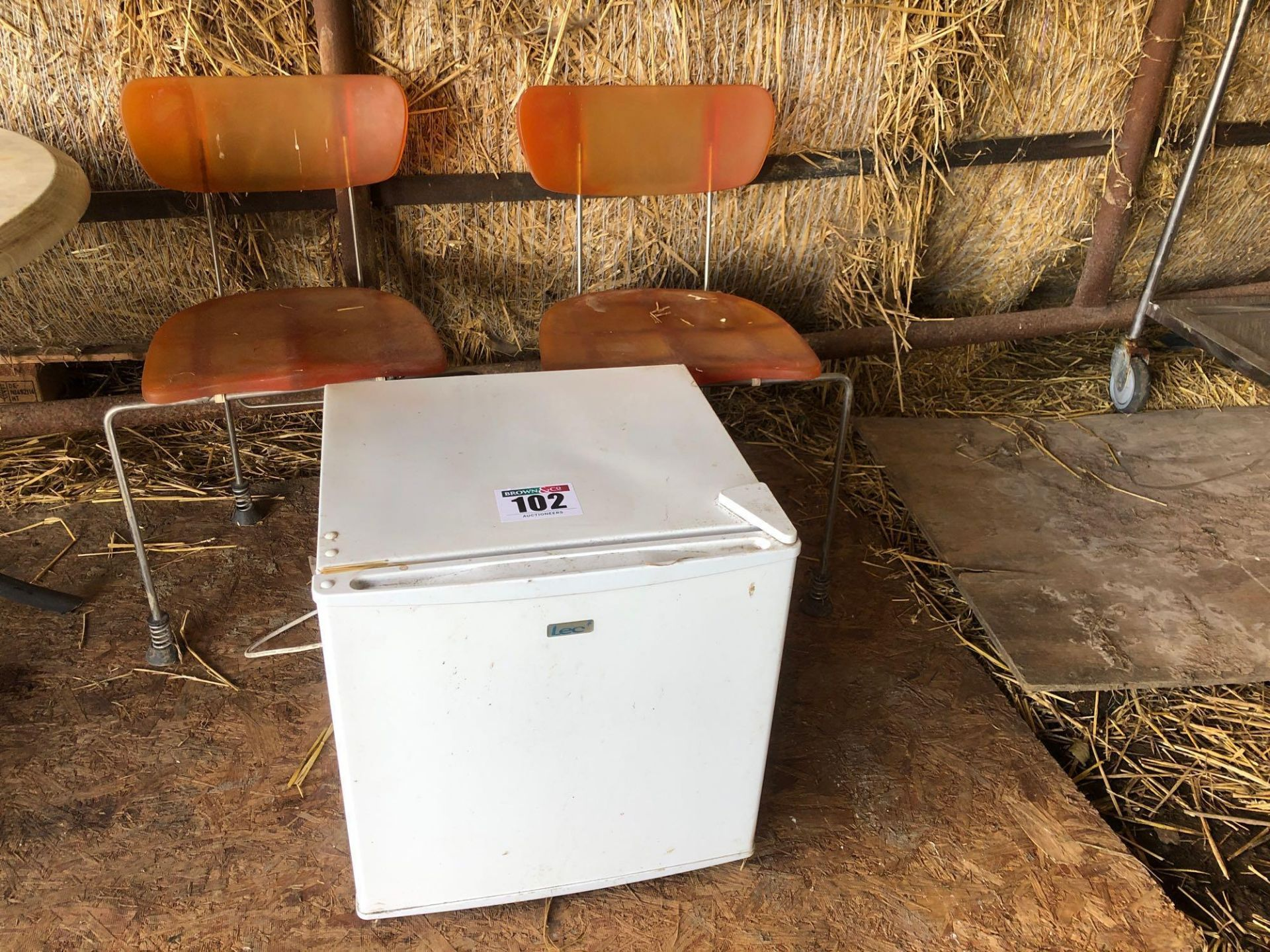 Lot 102 - Quantity chairs and mini fridge