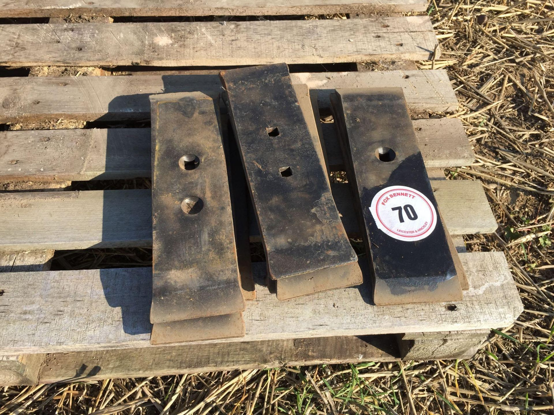 Lot 70 - Quantity chisel plough points (10)