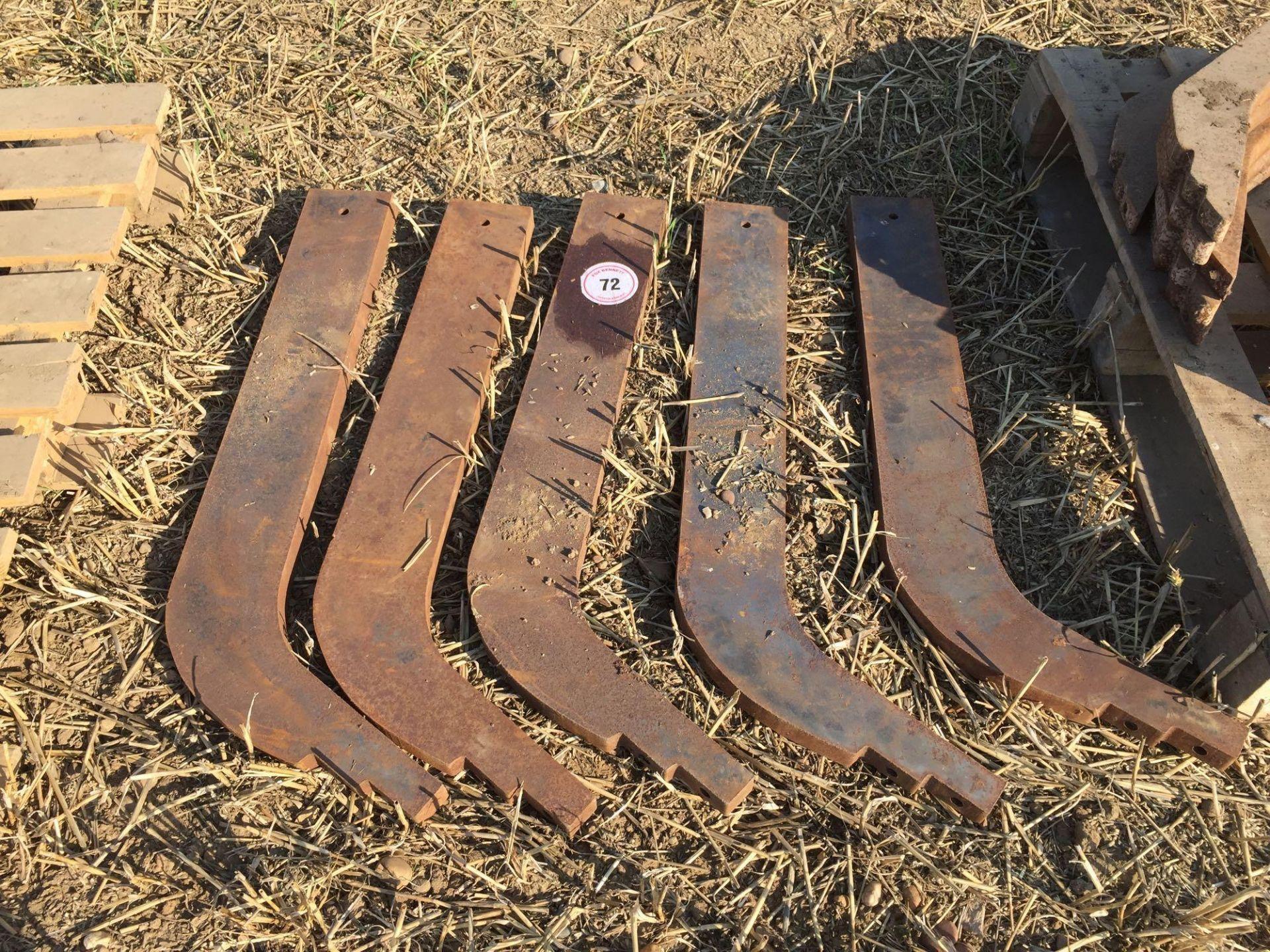 Lot 72 - Quantity large chisel plough legs (5)
