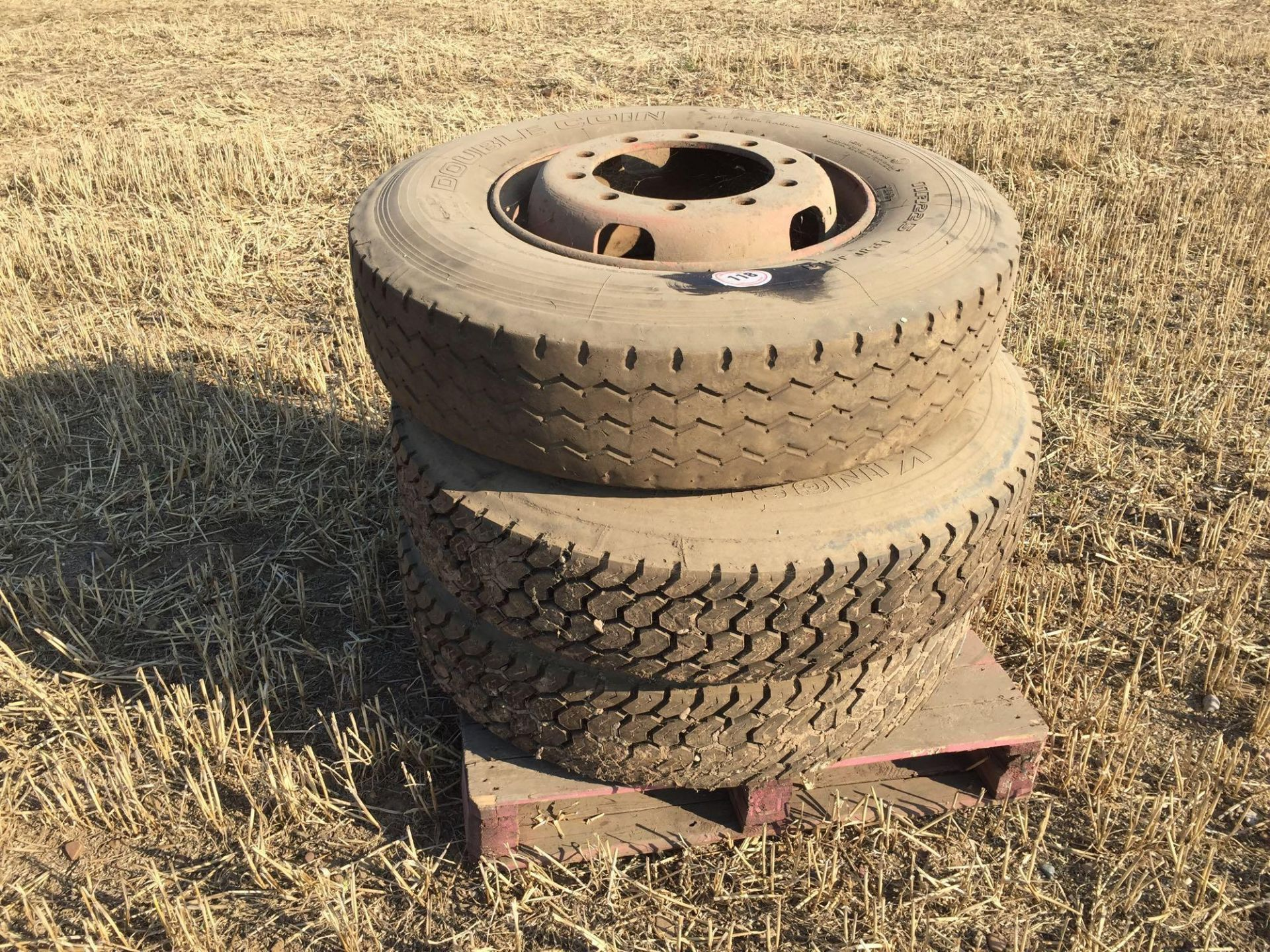 Lot 118 - 3No 11R22.5 wheels and tyres