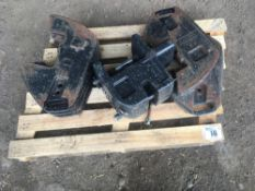Case IH front weights (5 x 45kg + block)