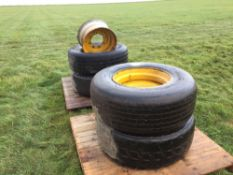4No. 8 stud 385/65R22.5 wheels and tyres