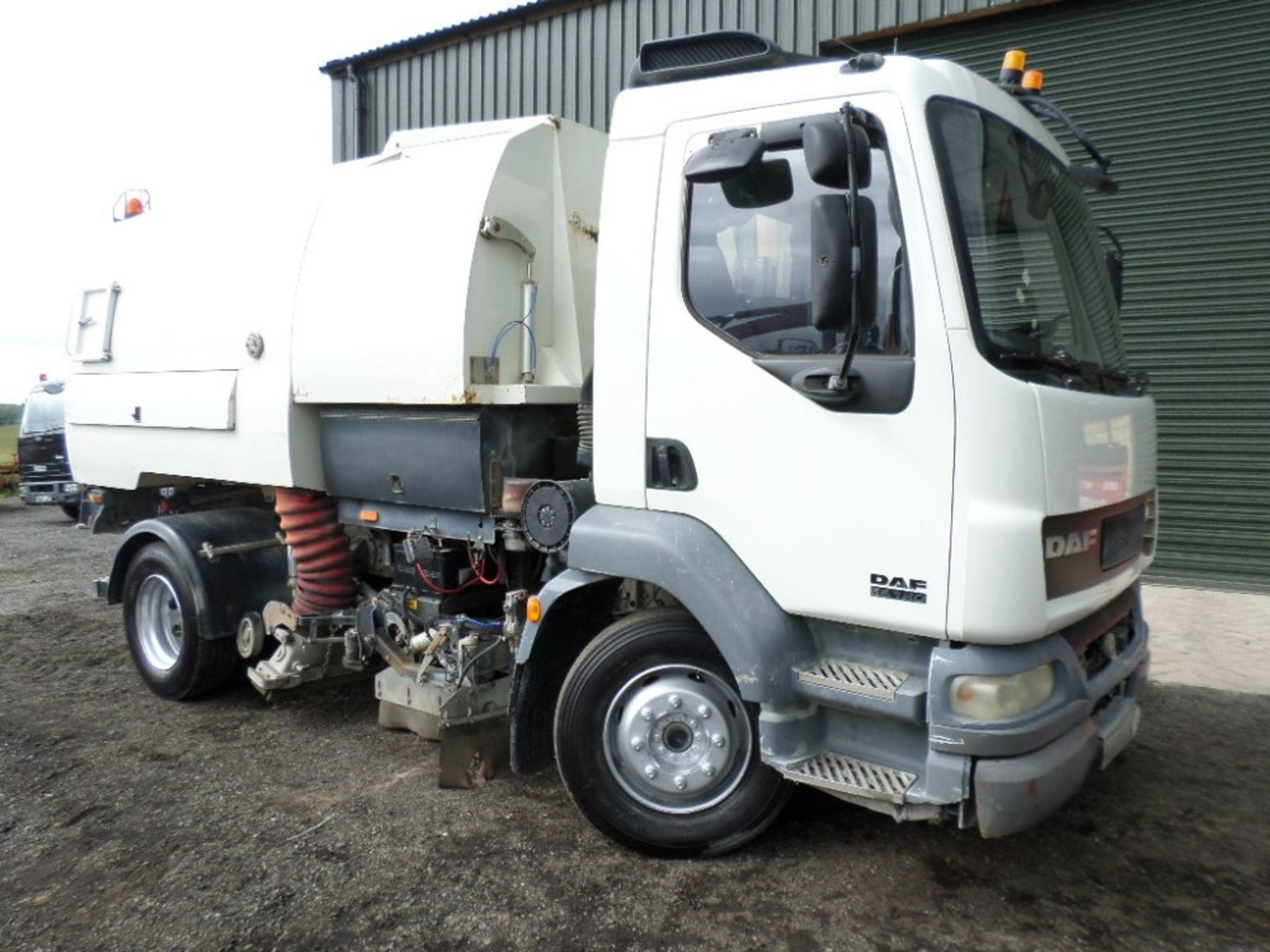04 reg DAF LF 55.160 JOHNSON SWEEPER (LOCATION SHEFFIELD) 1ST REG 04/04, 93408M, V5 HERE, 2 FORMER