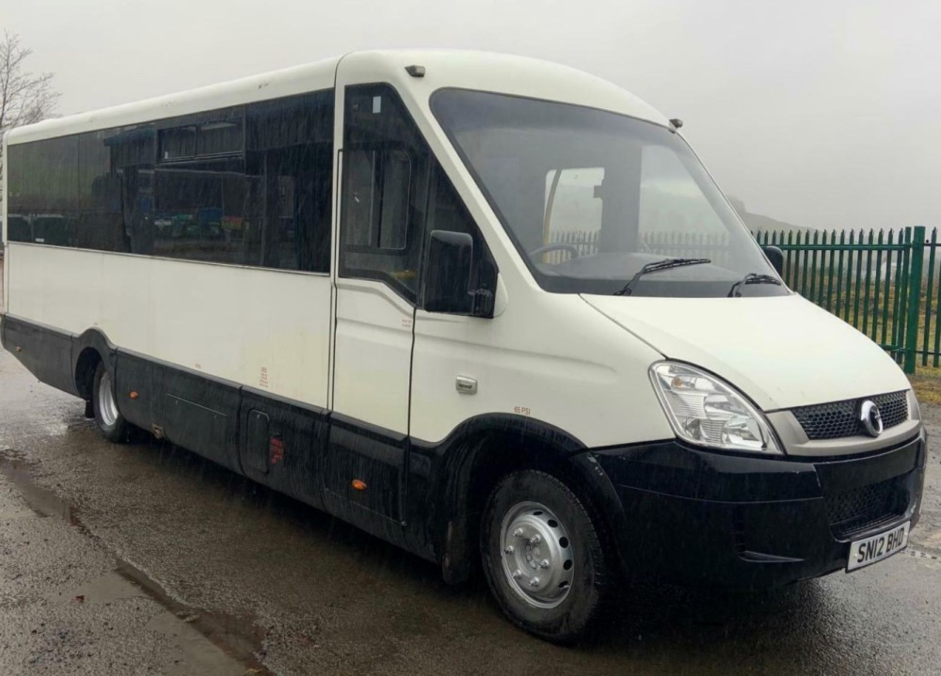 12 reg IRIS DAILY 65C17 MELLOR 11 SEAT BUS (LOCATION DUMFRIES) 1ST REG 05/12, 131454KM [+ VAT]