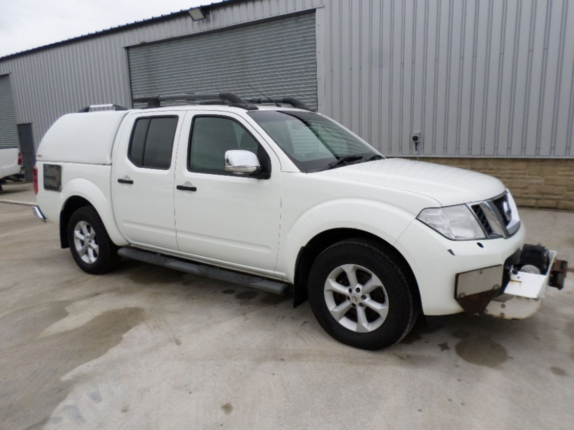 2011 NISSAN NAVARA DCI 188 TEKNA D/CAB PICKUP (LOCATION SHEFFIELD) UNREGISTERED EX MOD, 115121M ( - Image 2 of 6