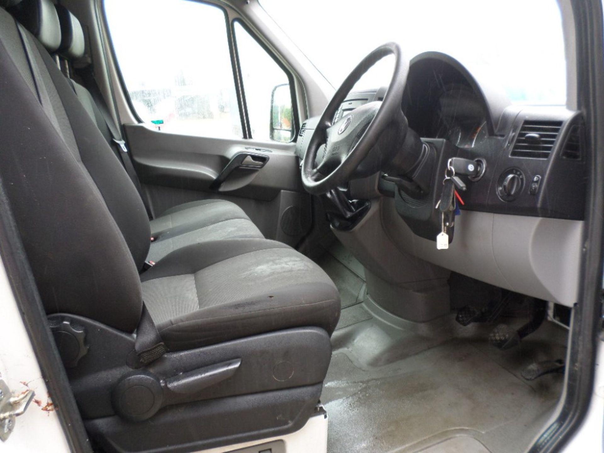15 reg VW CRAFTER CR35 TDI LWB (LOCATION SHEFFIELD) 1ST REG 04/15, 106005M, V5 HERE [+ VAT] - Image 6 of 6