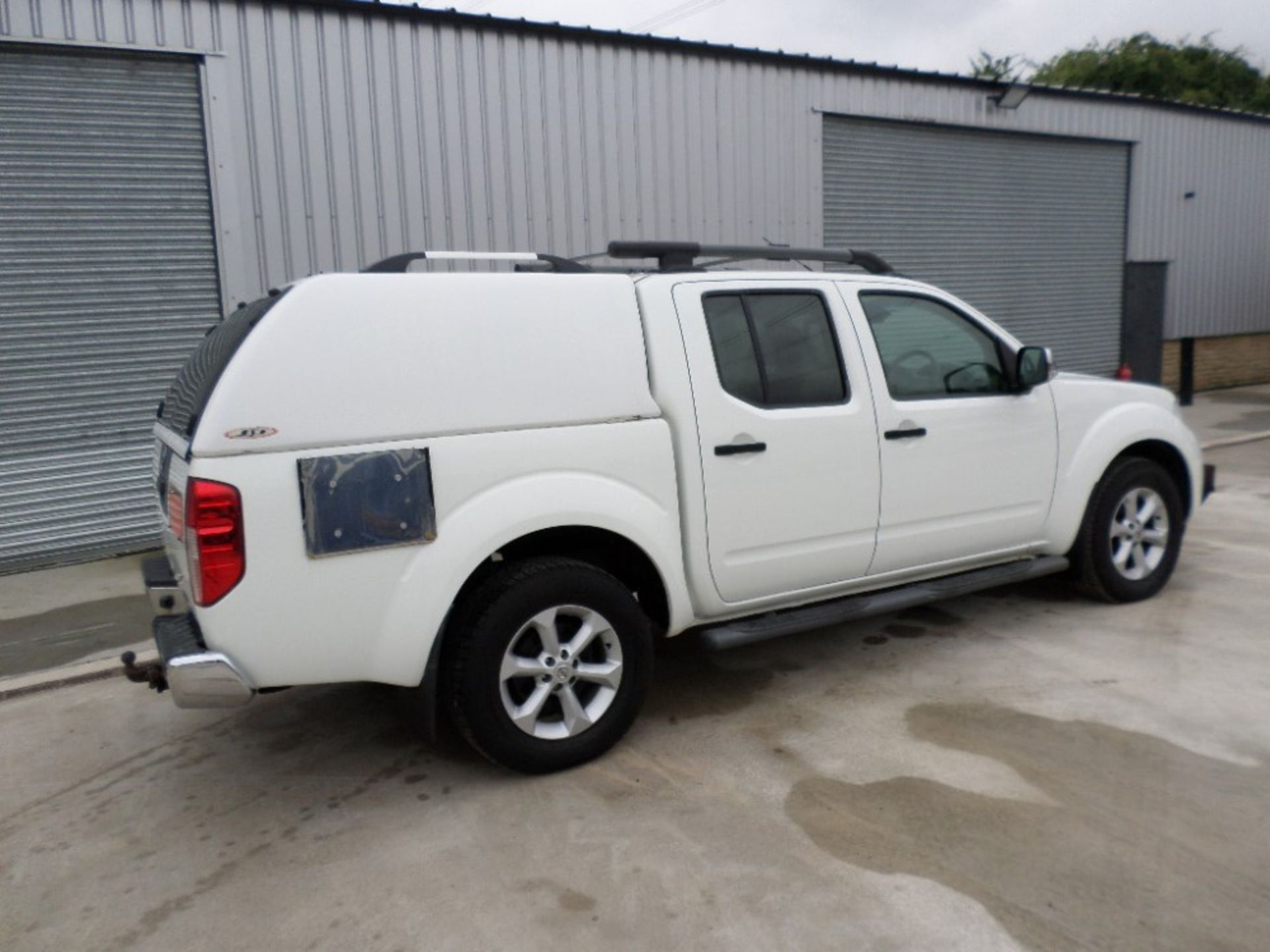 2011 NISSAN NAVARA DCI 188 TEKNA D/CAB PICKUP (LOCATION SHEFFIELD) UNREGISTERED EX MOD, 115121M ( - Image 4 of 6