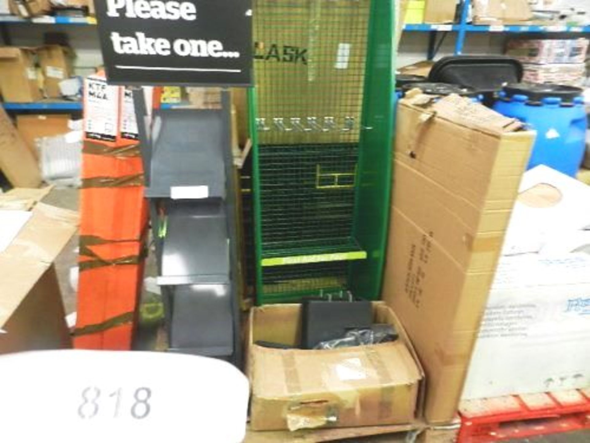 Lot 818 - A small quantity of shop fitting and book racks etc. (GSF50)