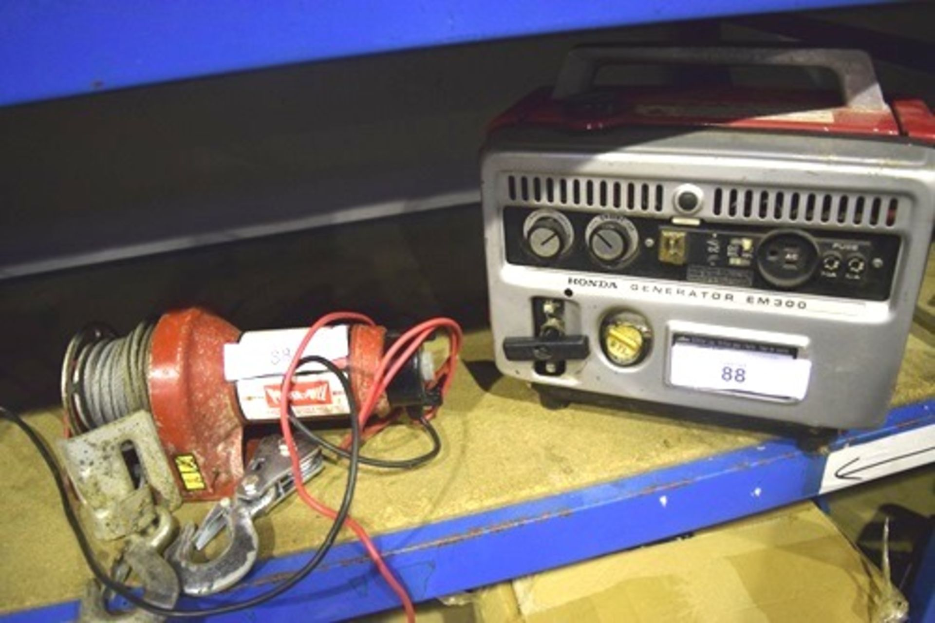 Lot 88 - Honda generator EM300 portable, Power Pull 12DC winch, model 17100 and spare hook - Second-hand (
