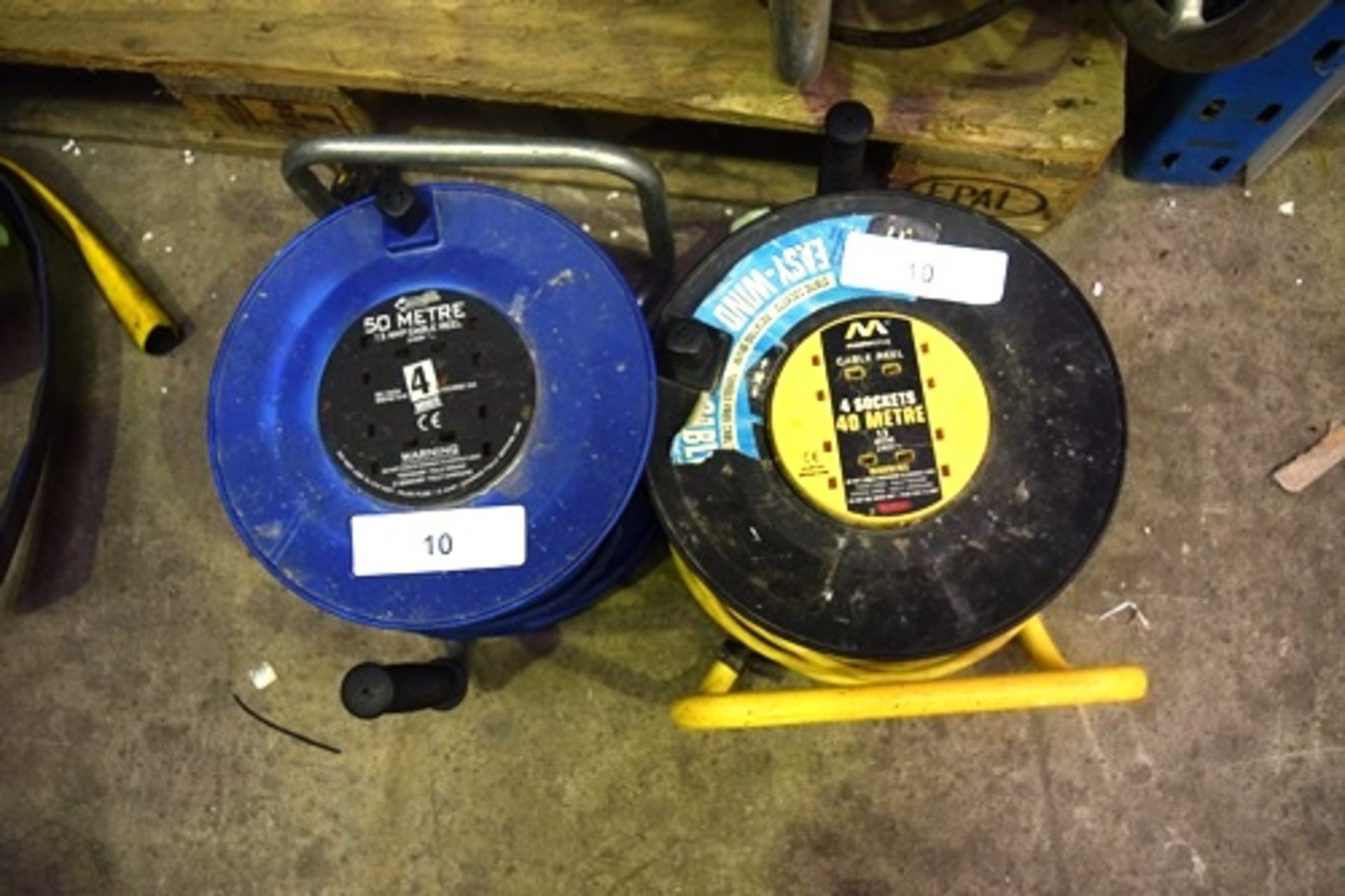 Lot 10 - 2 x 13 amp cable reel, 1 x 50m and 1 x 40m - Second-hand (GS14)
