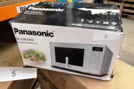 Panasonic silver microwave oven, model NN-E28JMM - New, dented and scratched, customer return (ES2)