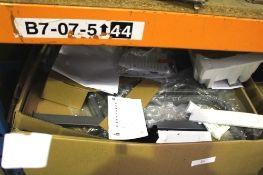 "1 x HP Design Jet T520 24"" printer, model CQ890C, total pages printed 4, print head installation"