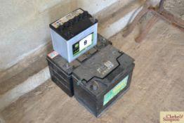 3x batteries.