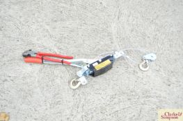 Fencing pliers and puller.*