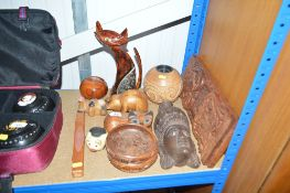 A quantity of various wooden items