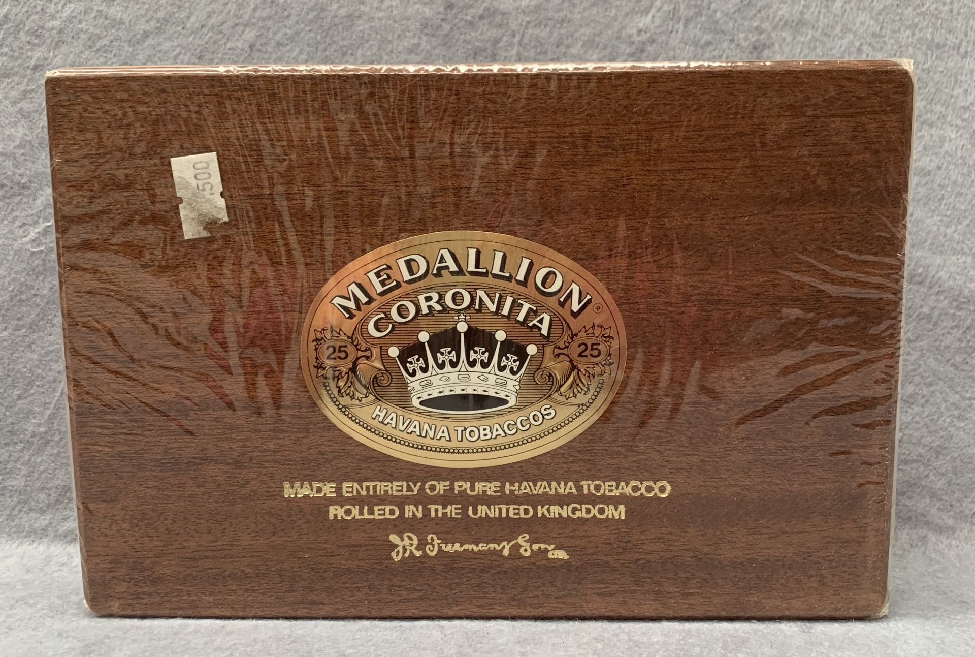 Lot 16 - A sealed box of 25 Medallion Coronita Havana Tobaccos cigars