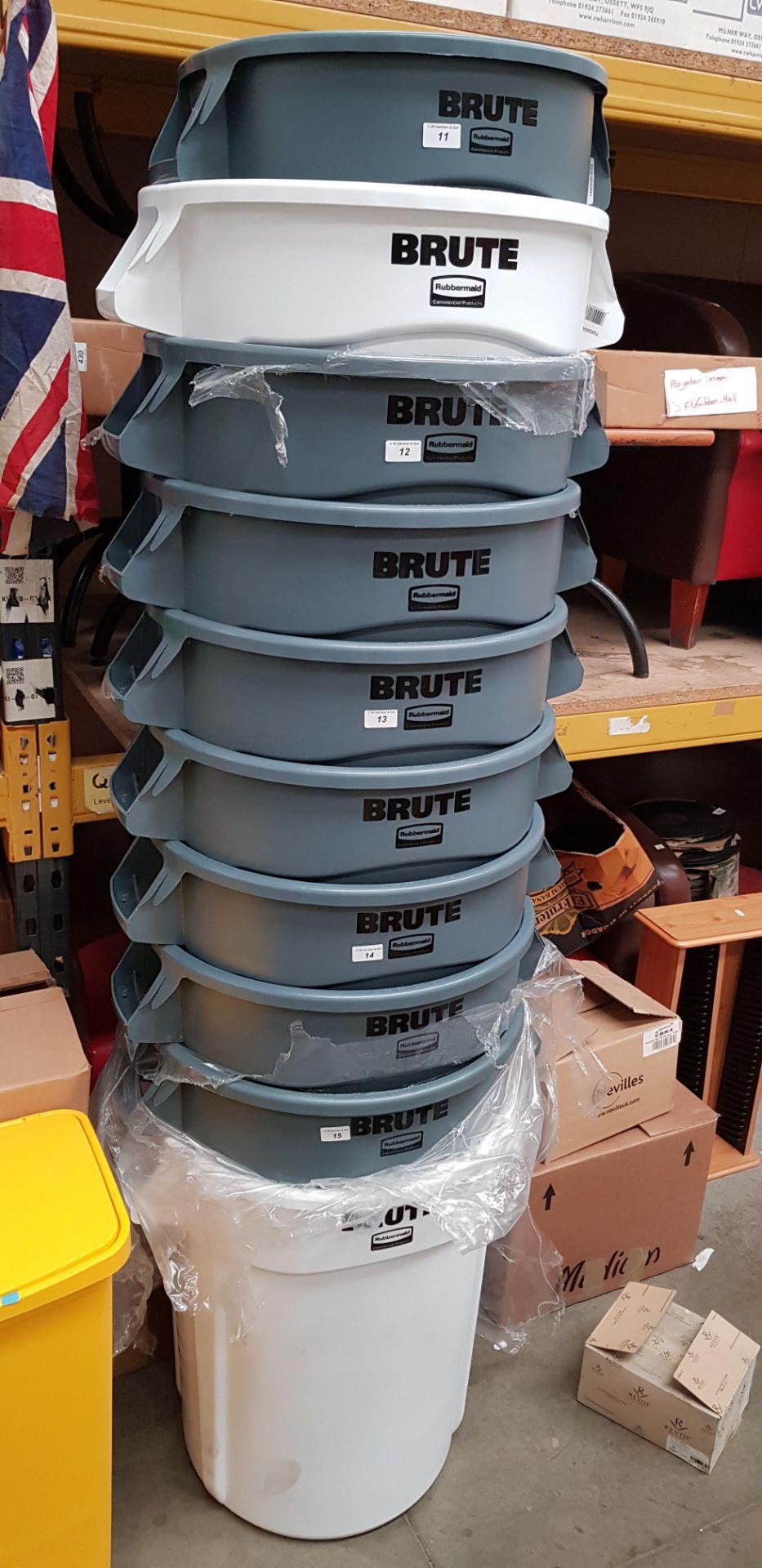 Lot 15 - 2 X RUBBERMAID BRUTE BINS: 121.1L, FG263200GREY & 121.