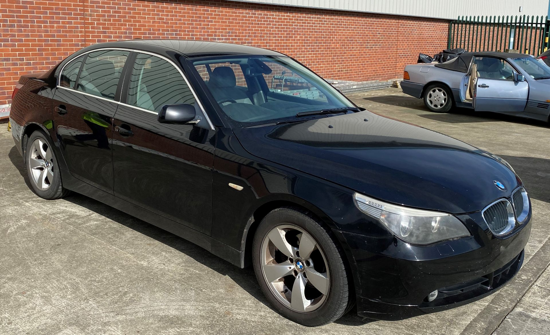 Lot 5 - BMW 520D 4 DOOR SALOON - Diesel - Black - Grey leather upholstery Reg No: LM56 PNU Rec Mileage: 251,