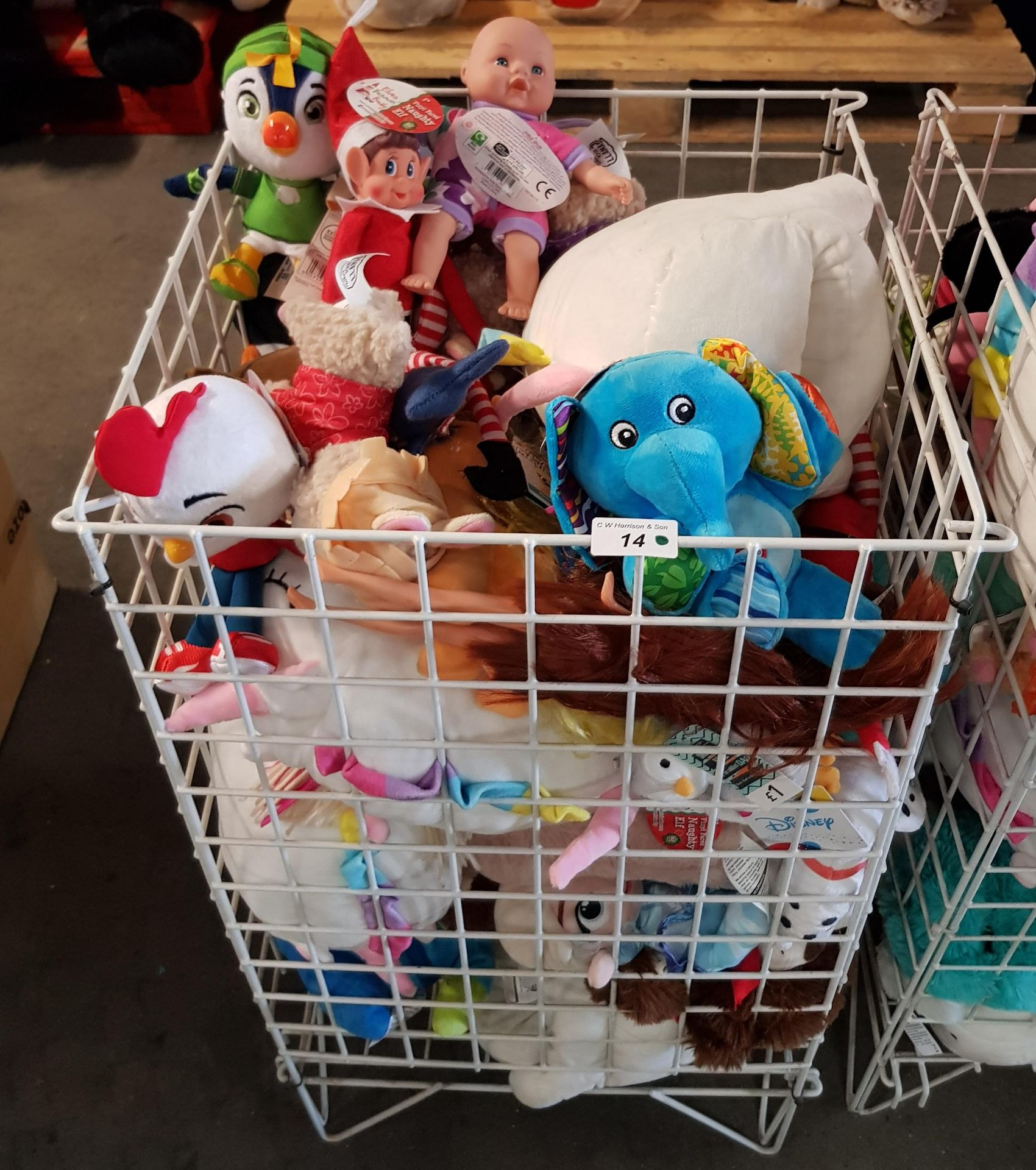 Lot 14 - CONTENTS OF CAGE - MIXED SOFT TOYS