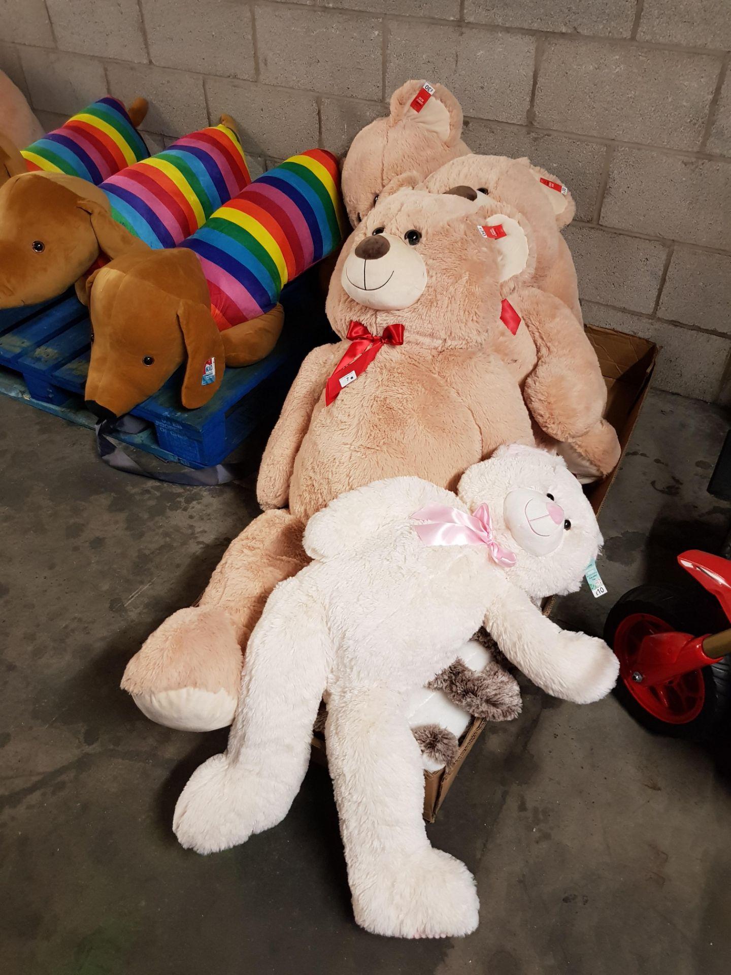 Lot 7 - 3 x GIANT TEDDY BEARS & 1 x LARGE TEDDY BEAR