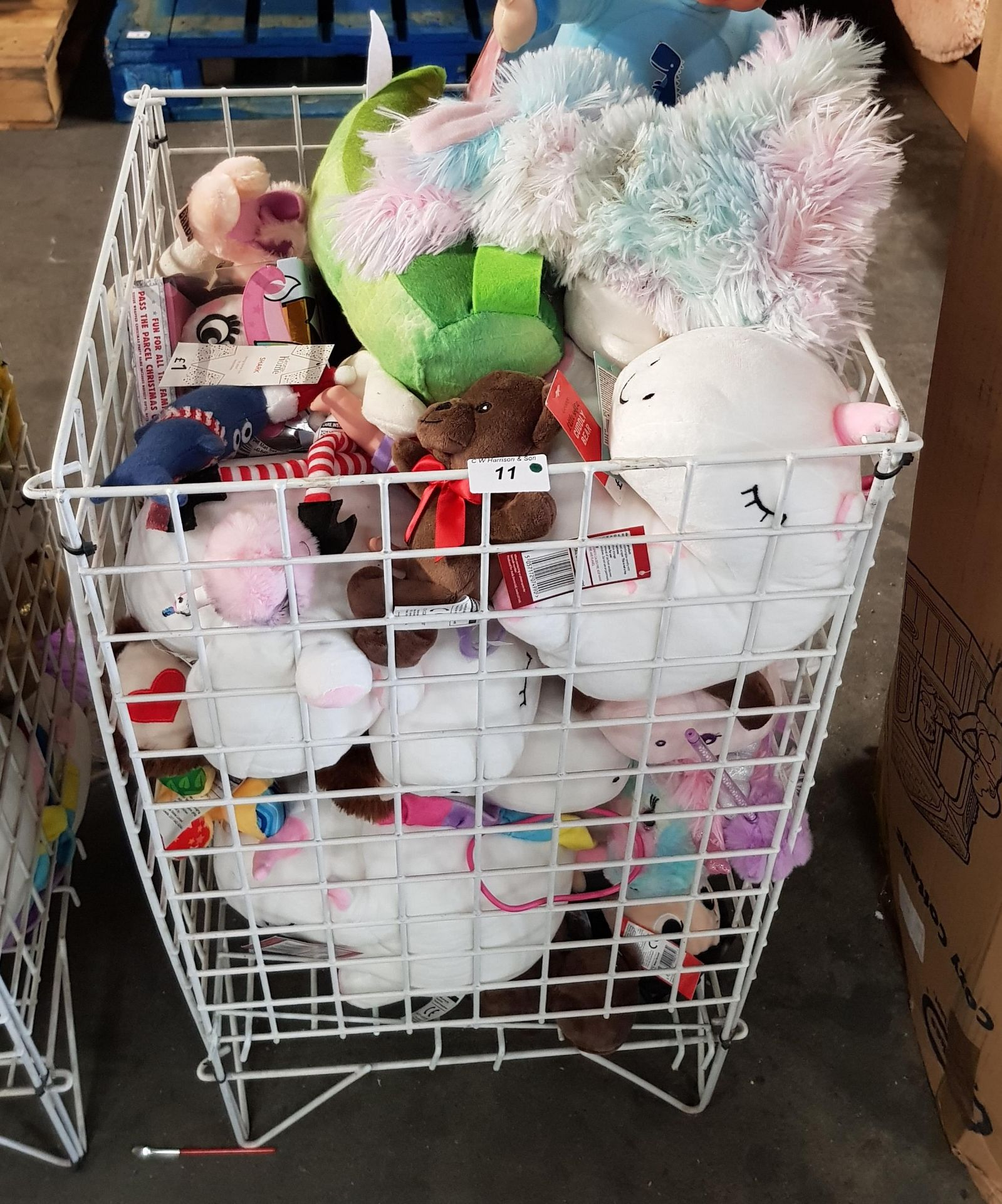 Lot 11 - CONTENTS OF CAGE - MIXED SOFT TOYS