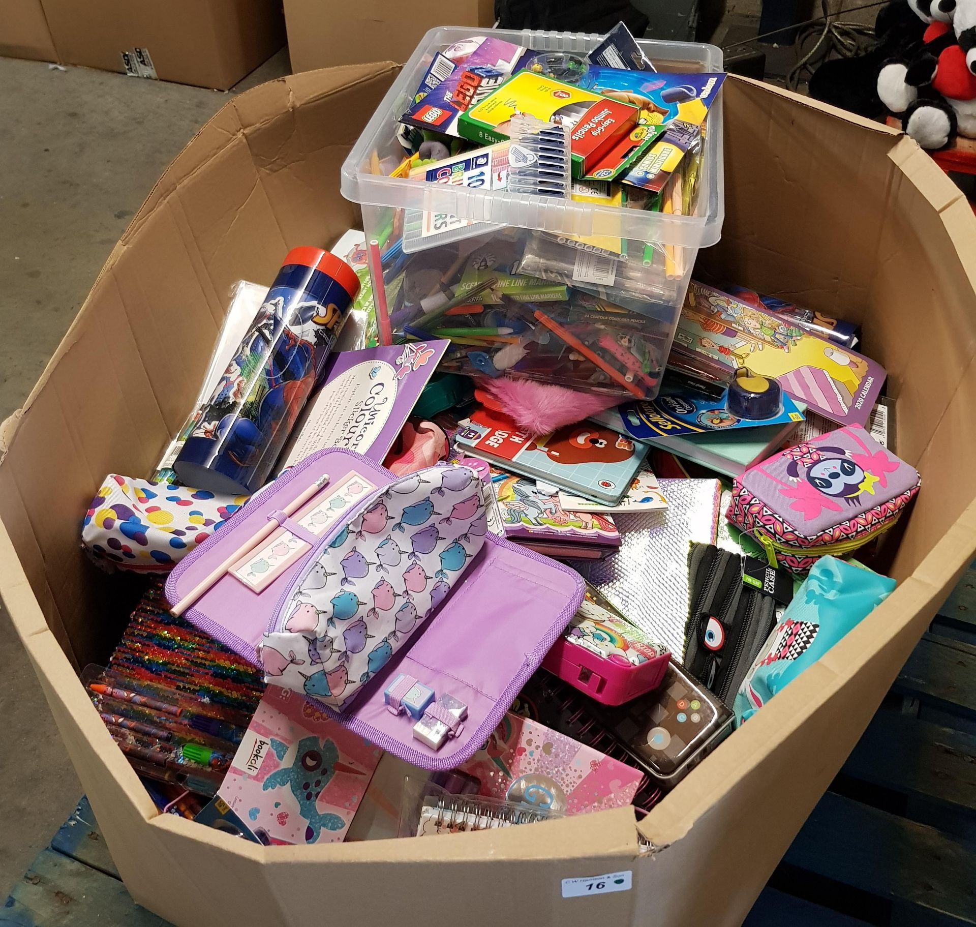 Lot 16 - CONTENTS OF LARGE BOX - MIXED STATIONARY TO INCLUDE BOOKS, CALENDARS, PENS,