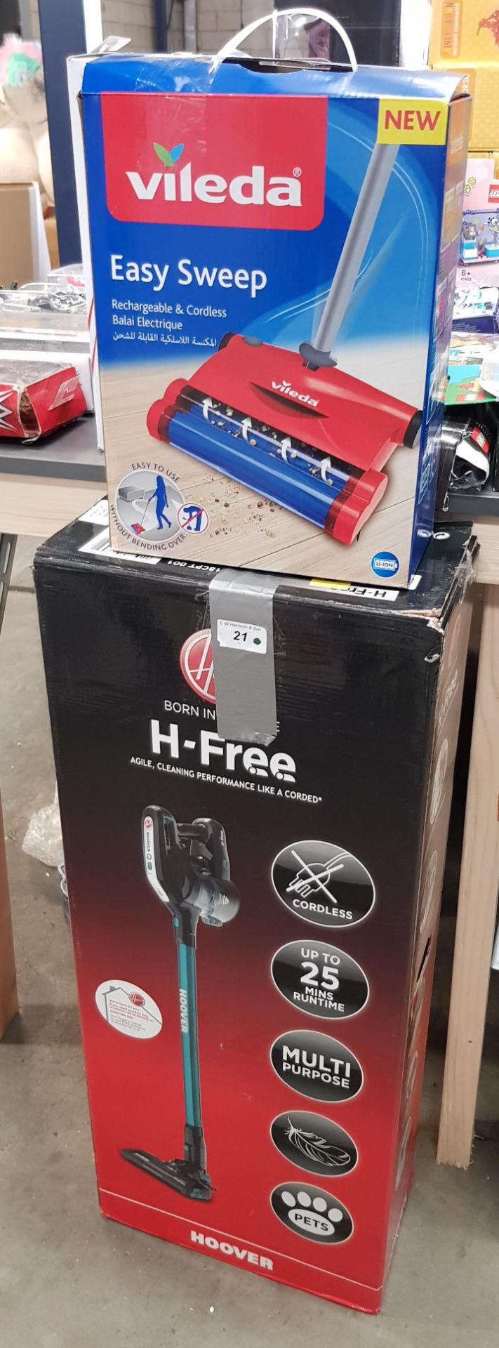 Lot 21 - 2 ITEMS - 1 x HOOVER H-FREE MULTI PURPOSE PETS CORDLESS & 1 x VILEDA EASY SWEEP