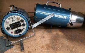 2 x Courtnay Photonics solar flash 4 studio lighting kit