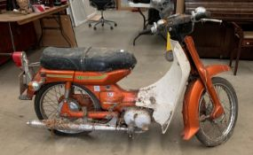 A GARAGE FIND - A YAMAHA V75 73cc AUTOMATIC AUTOLUBE MOTORBIKE - Petrol - Orange Registration No: