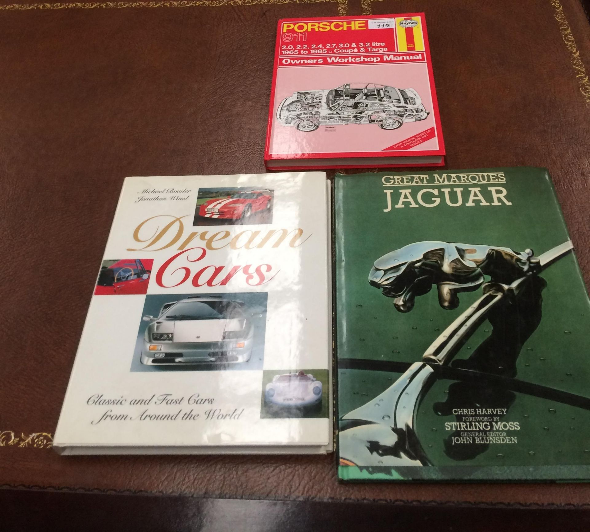 Lotto 119 - A Haynes workshop manual for a Porsche 911 1965-1985 Coupe and Targa and two other books on classic