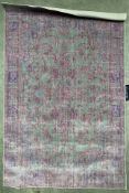 A Safavieh Valencia pink/multicoloured rug - 120cm x 180cm