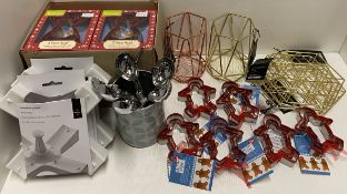 30 x assorted items - Cooksmart 3 piece angel cutters, potato baking spikes, utensil holders,