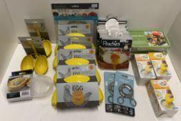 30 x assorted items - Eddingtons egg microwave omelette makers, poachers, egg separators,