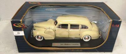 Signature models 1/18 scale die cast metal model of 1941 Packard Limousine
