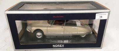 Norev Collectors 1/18 scale die cast metal model of Citroen DS23 Pallas 1973 tholonel beige