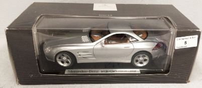 Mercedes Benz Edition SLR 1/18 scale die cast metal model of Mercedes-Benz Vision SLR (boxed)