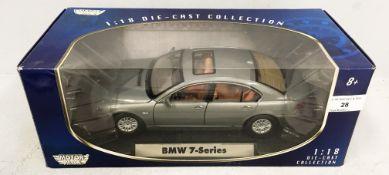Motor Max 1/18 scale die cast metal model of BMW 7 Series in grey (boxed)